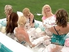 Swinger couples have soapy battle in this Reality show