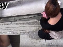 Hairy japanese babes pee