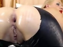 Webcam big dildo and anal beads whore